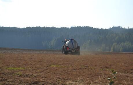 HILL gjødselvogn 15000l sprer med spredeplate
