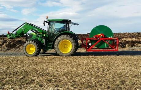Slangetromler for Bakmontering på traktor - 1000m trommel - Vesentlig forbedret arbeidshastighet, med opptil 150m/min innrulling hastighet.
