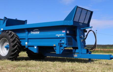 LL90 med Canopy dekk: 520/85R38