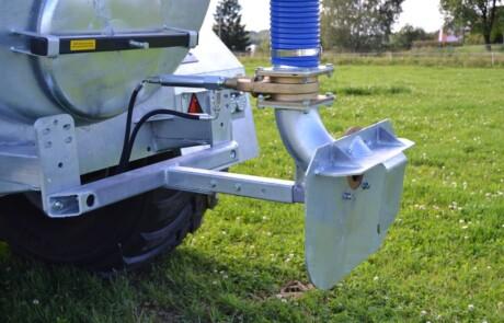 Sprederplate montert på gjødselvogn