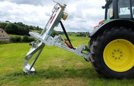 pto drevet galvanisert Proflow pumpe vist på grønn eng - produsert av Slurrykat - Irland